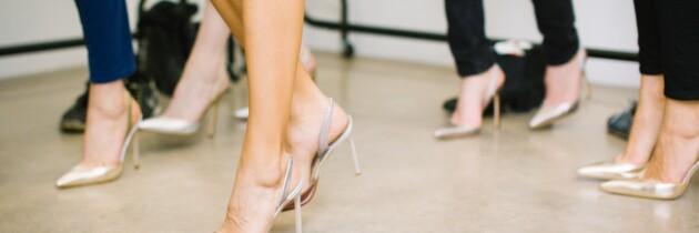 Entre usar tacones a diario y llevar siempre zapato plano